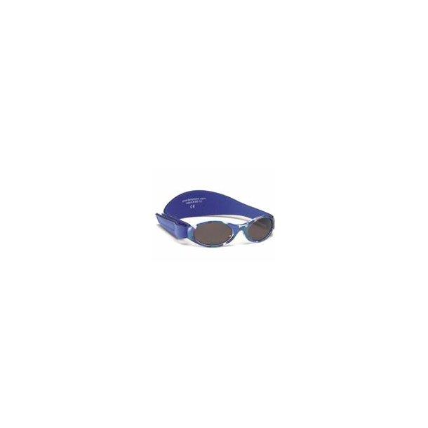 Baby Banz solbrille camo blå 100 % uv-beskyttelse.